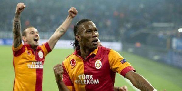 Sneijder Dan Drogba Dedikasikan Gelar Juara Bagi Para Pendukung Galatasaray - http://www.sundul.com/berita-bola/zona-eropa/2013/05/sneijder-dan-drogba-dedikasikan-gelar-juara-bagi-para-pendukung-galatasaray/