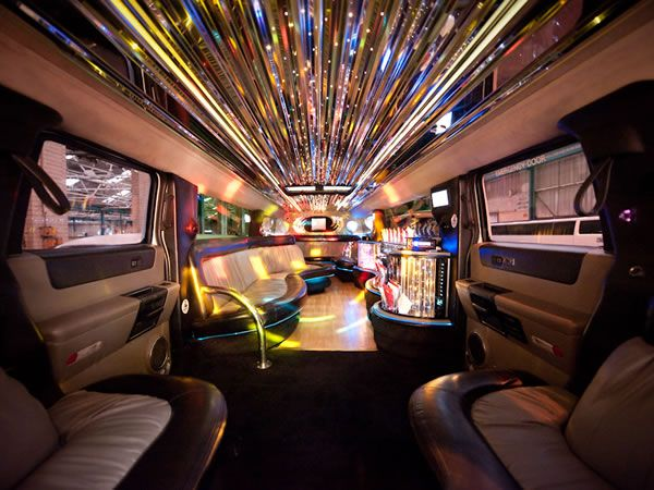 16 Seater White Hummer Limo Limo Hire Liverpool Hummer Limo Hire Hummer Limo White Hummer Limo
