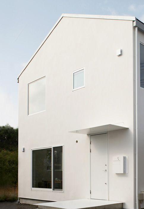窓の家 玄関庇 仕様 設備 無印良品の家 現代的な玄関ドア 玄関