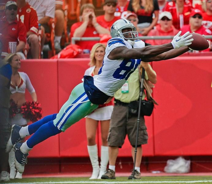 Dallas Cowboys Wide Receiver Dez Bryant Makes A Diving Catch
