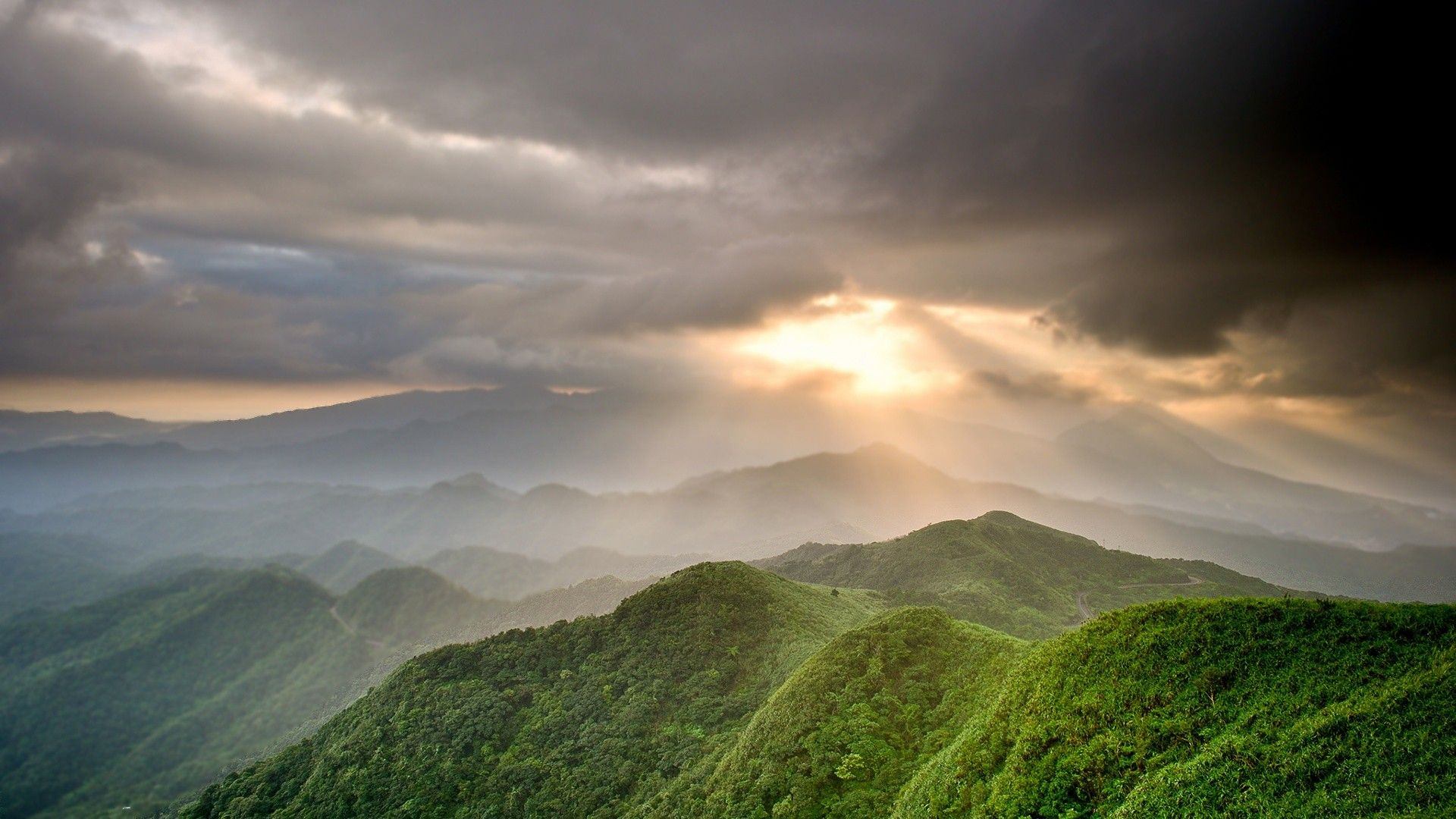Sunlight From Clouds Green Mountains Landscape Photography Nature Clouds Mountain Landscape