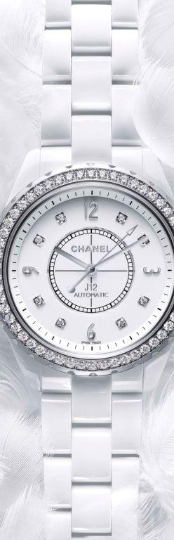 montre CLASSIC CHANEL J12 WHITE