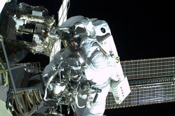 Astronaut Luca Parmitano's Chilling First-Hand Account of His Mishap in Space - Technology Org