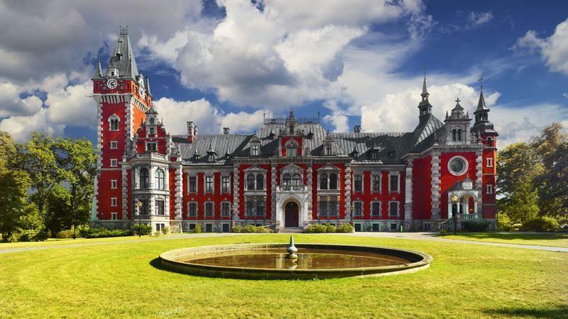 Plawniowice Castle