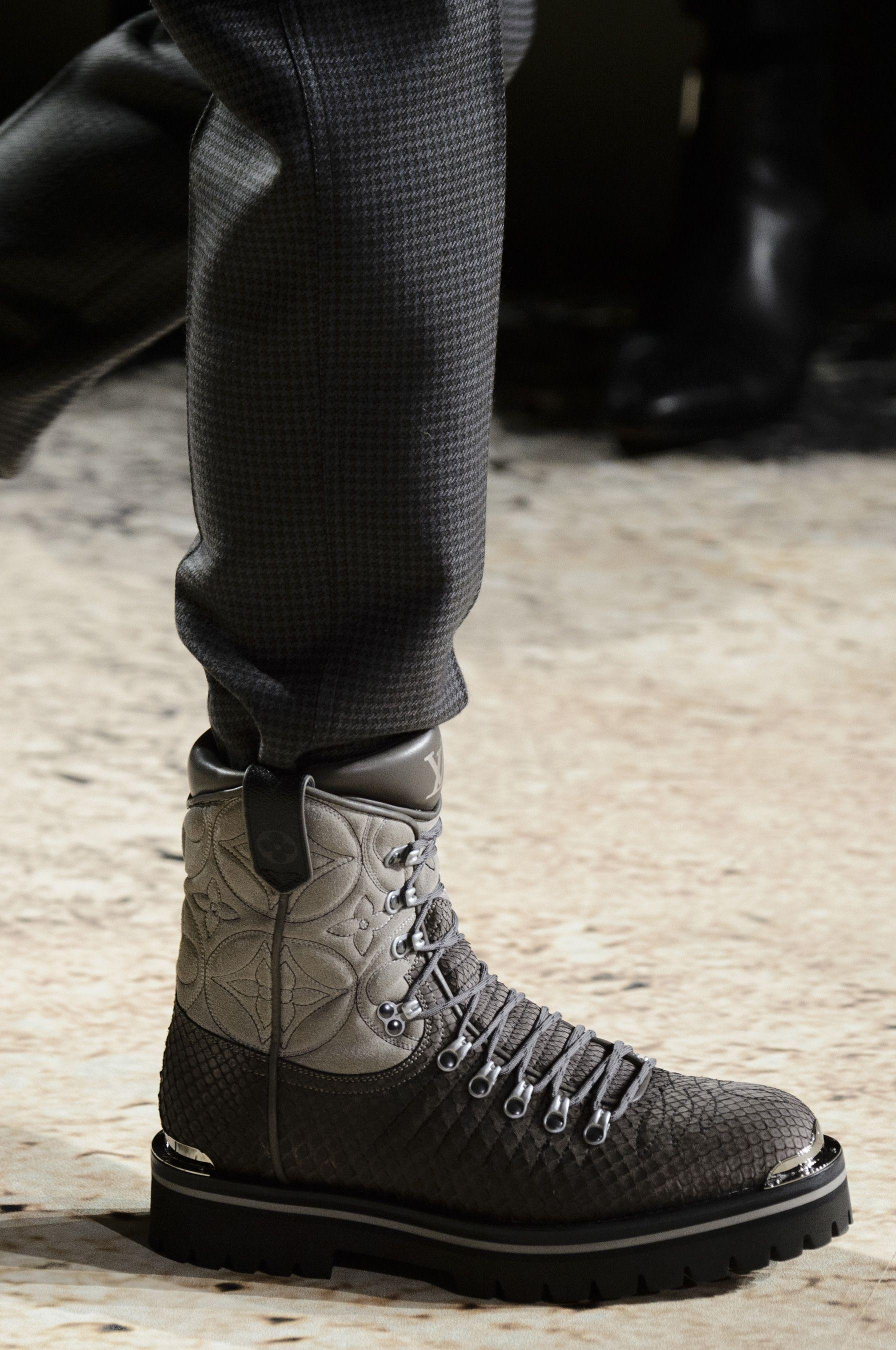 dd57ce34a1c36 Louis Vuitton Fall 2018 Men's Fashion Show Details - The Impression  #MensFashion2018 Mens Boots Fashion
