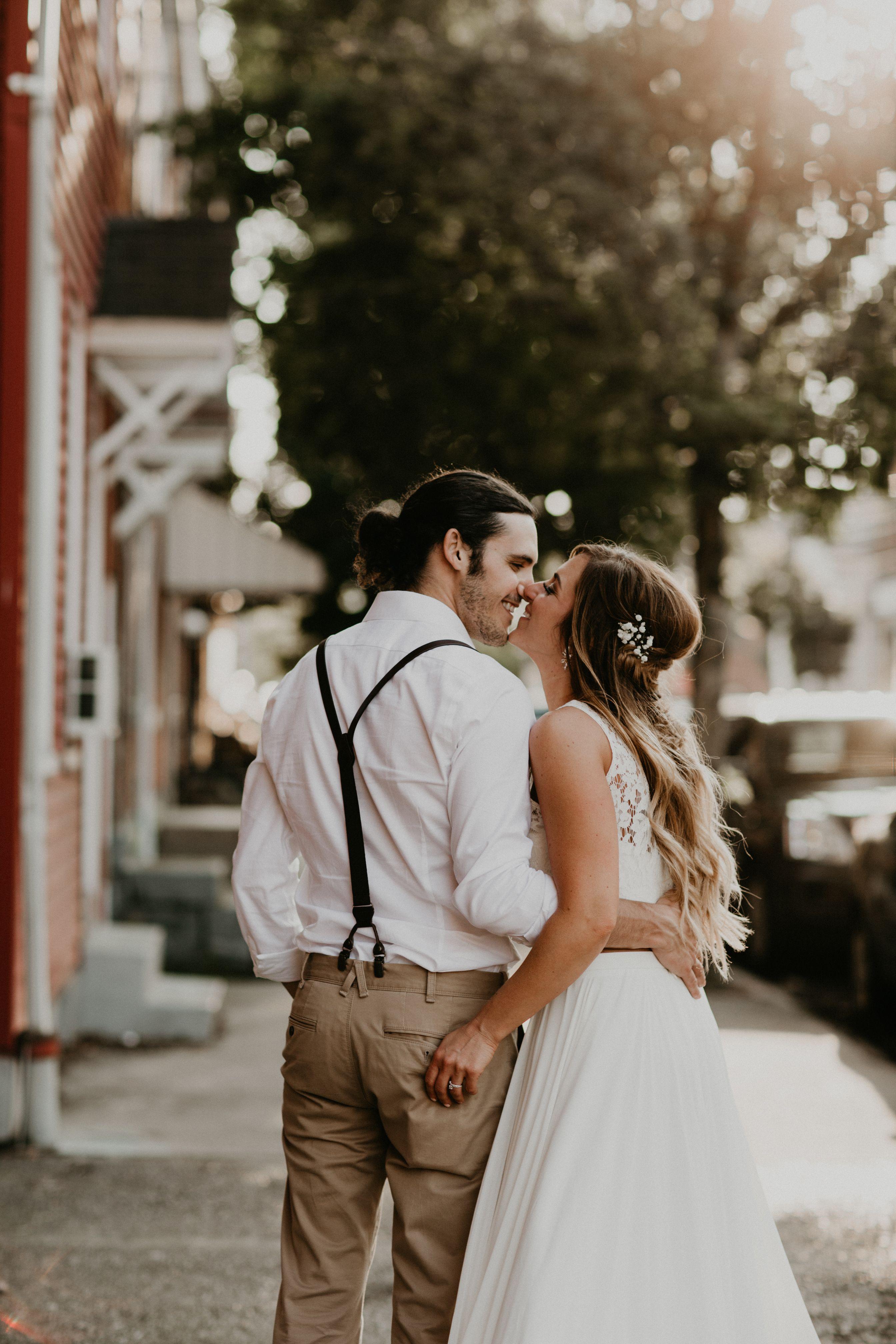 Angela John Say Pittsburgh Wedding Photographers Boho Wedding