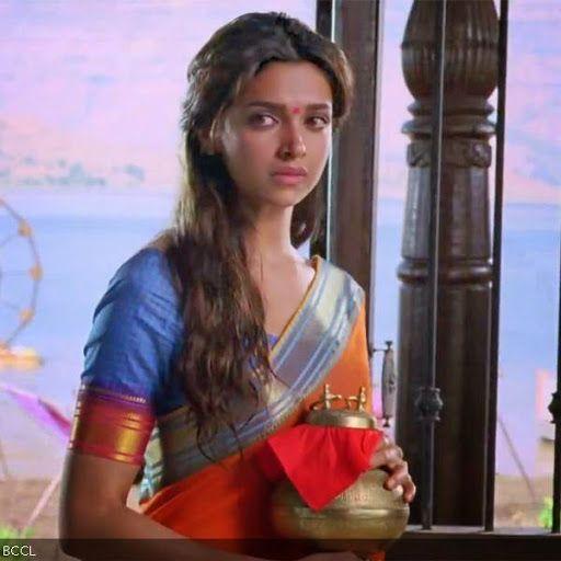 Deepika Padukone In Movie Chennai Express 2013 Chennai Express Beautiful Indian Actress Bollywood Actress