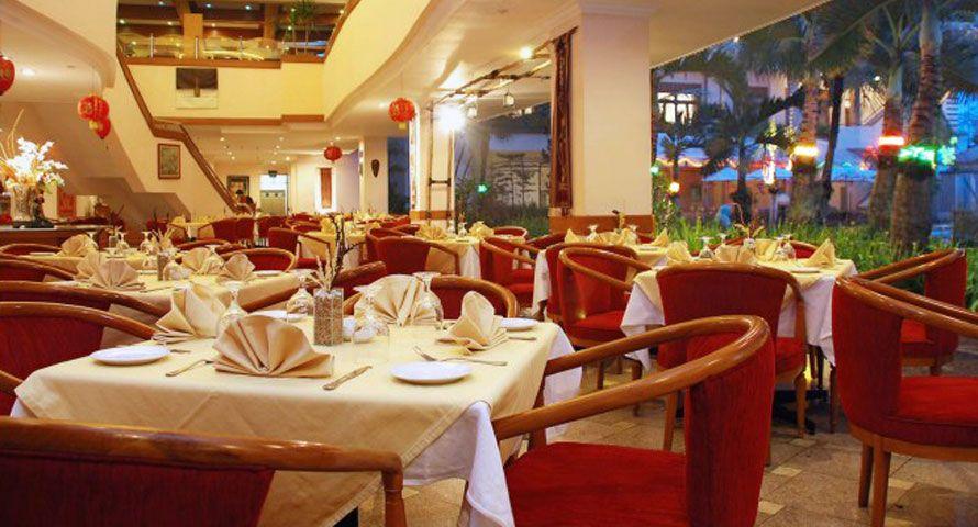 Stunning the Jayakarta Bandung Suite Hotel with Great City View : Jayakarta Bandung Suite Hotel Restaurant