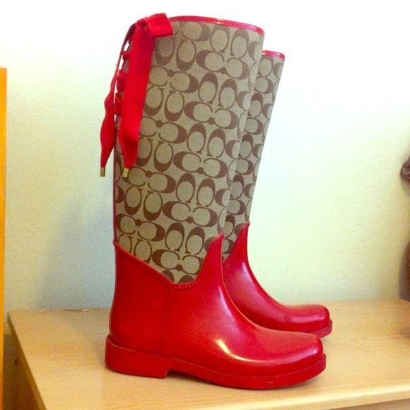 34065e823f9 Pin by Nikki Yoshida on Rain, Please Stay!!   Coach rain boots ...