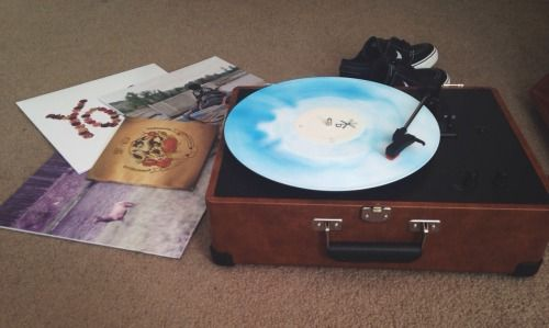 Pin By Hailee Drae On Aux Cord Music Bands Pop Punk Vinyl