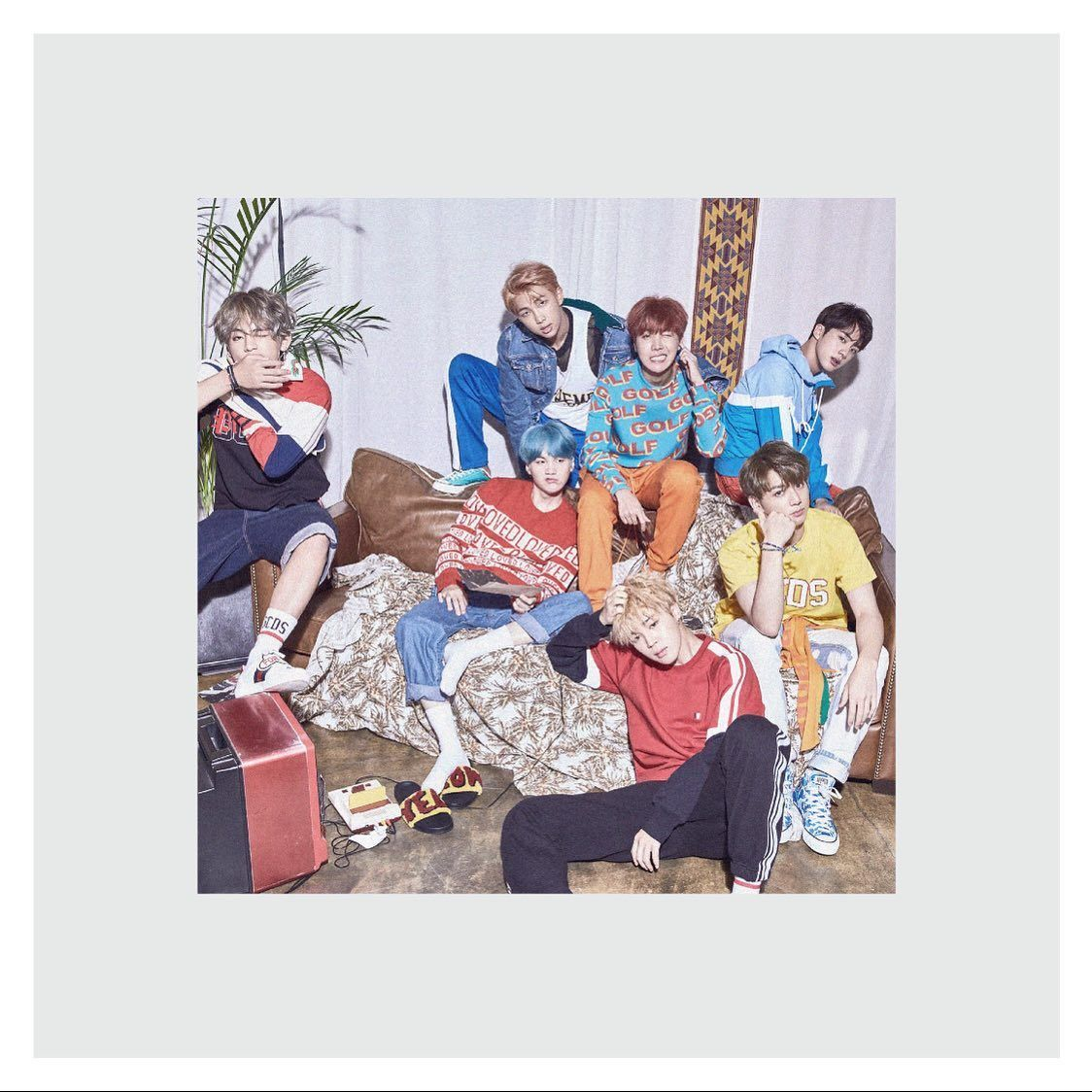 No 051 The Bazaars And Birthdays Of Singapore S K Pop Cafes Linkinbio Written By Thenarhh Edited By Lw Chen Photo Bts Love Yourself Bts Bts Group Photos