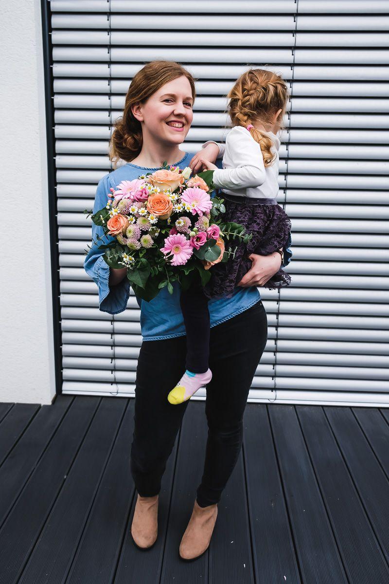 7 Gründe Warum Mama Die Beste Ist Blumen Von Fleurop Zum Muttertag Muttertag Mutter Kleinkind