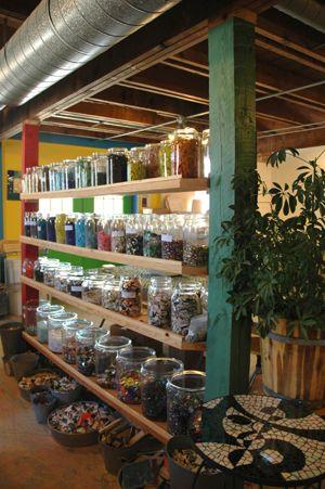 Atelier aufbewahrung kreativraum pinterest for Raumgestaltung atelier kita