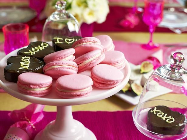 Pink Raspberry Macaron Recipe : Decorating : Home & Garden Television
