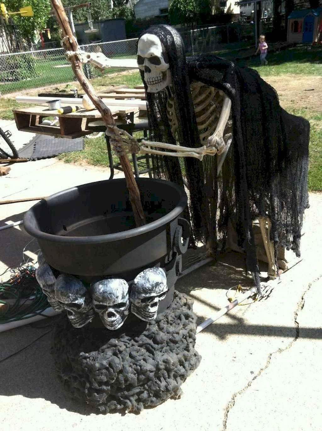 Crafty DIY Outdoor Halloween Decorating Ideas (46