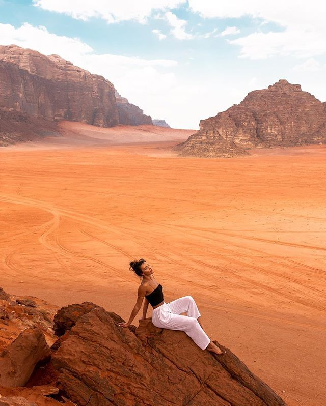 The red sands of the Wadi Rum Desert make you feel like you're on Mars. We spent our days here 4-wheeling through the desert, drinking… #wadirum