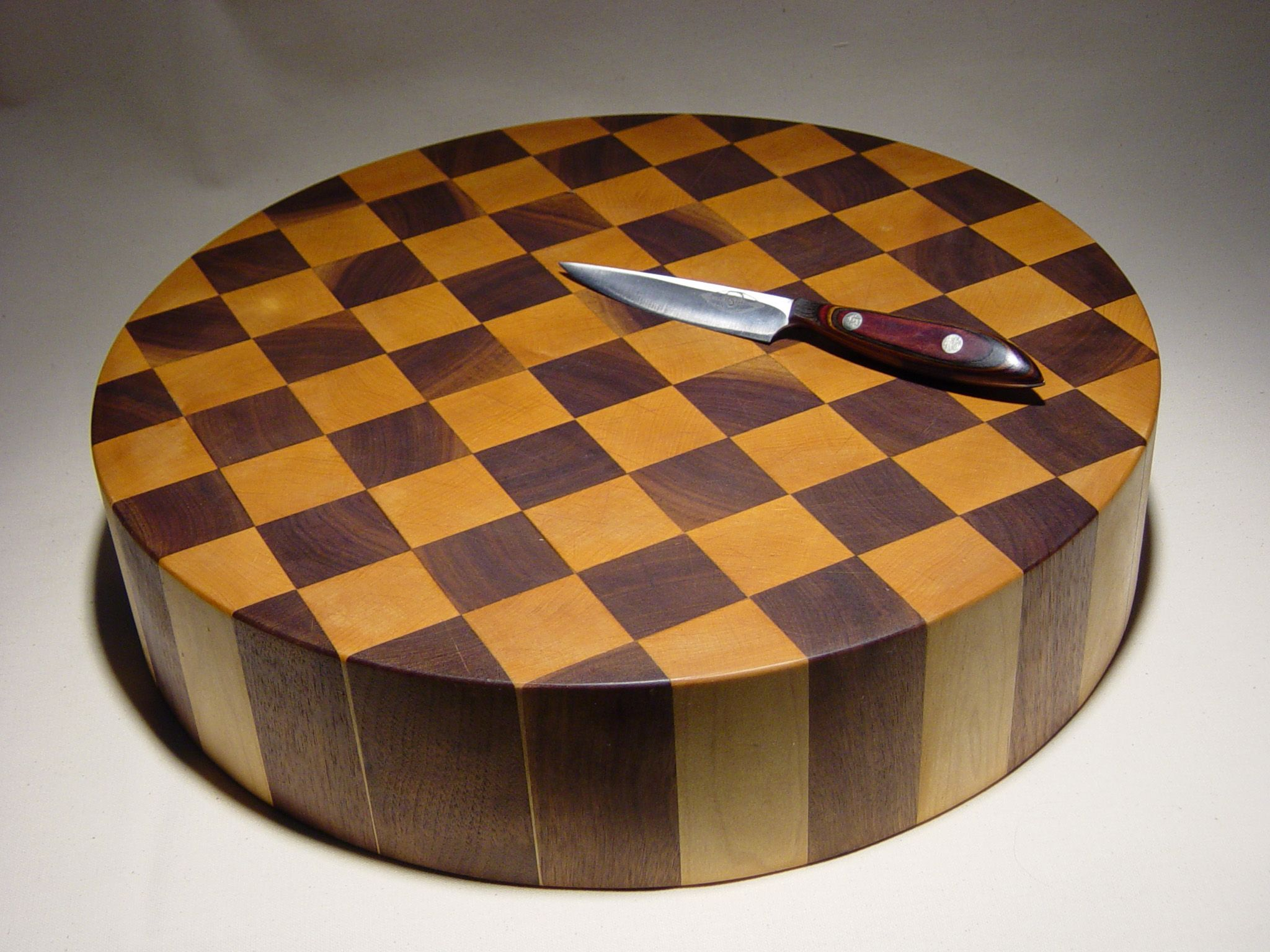 "Round 4"" thick cutting board in end grain Eastern Rock Maple and Black Walnut 2005"