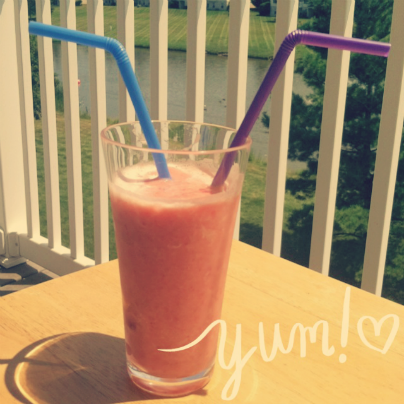Smoothies are made for sharing. #smoothie #JambaJuice