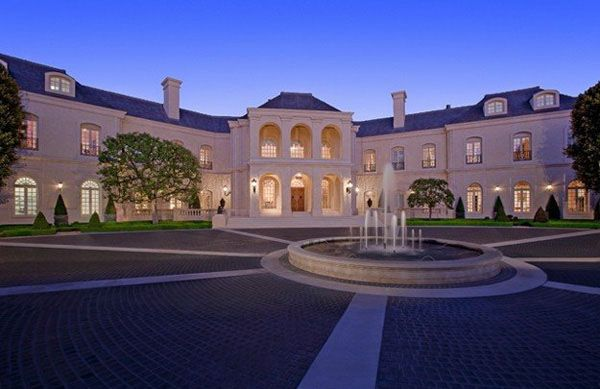Stunning French Chateau Style Mansion In Los Angeles Mansions Chateau Style Big Mansions
