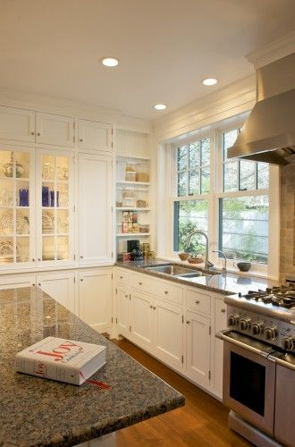Two Windows With Sink Under The One Window And Faucet Centered On Two Windows Kitchen Design Kitchen Remodel Traditional Kitchen Design