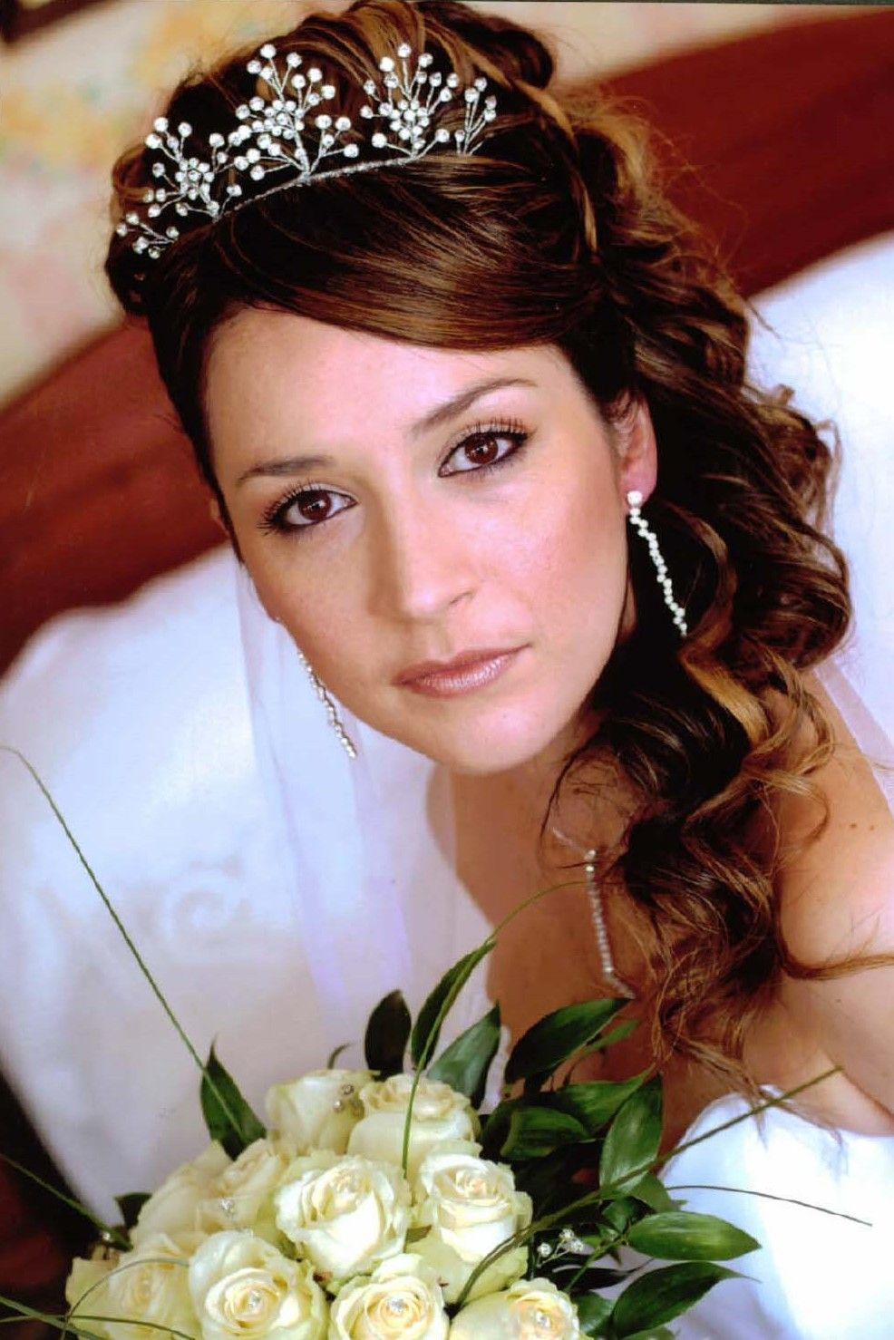 half up half down bridal hair with tiara and veil | wedding