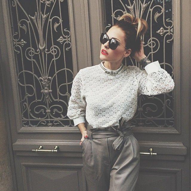 [ Pantalon @zara_worldwide • Top @e_believe • Lunettes #americanapparel • ]