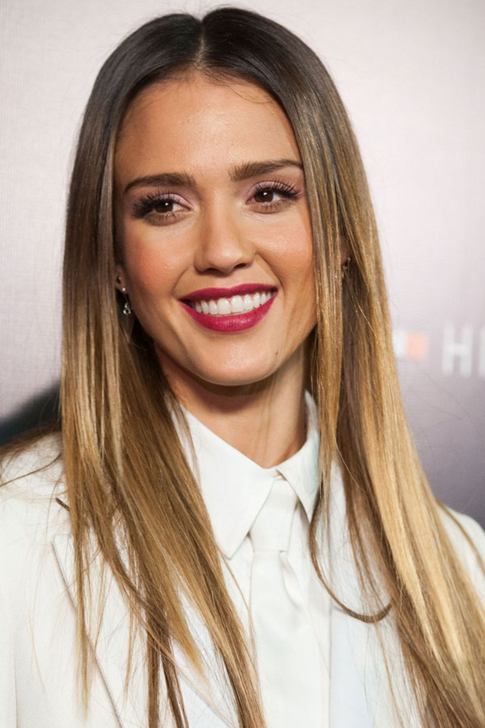 Jessica Alba Ombre Sombre Hair Sunkissed Blonde Highlights