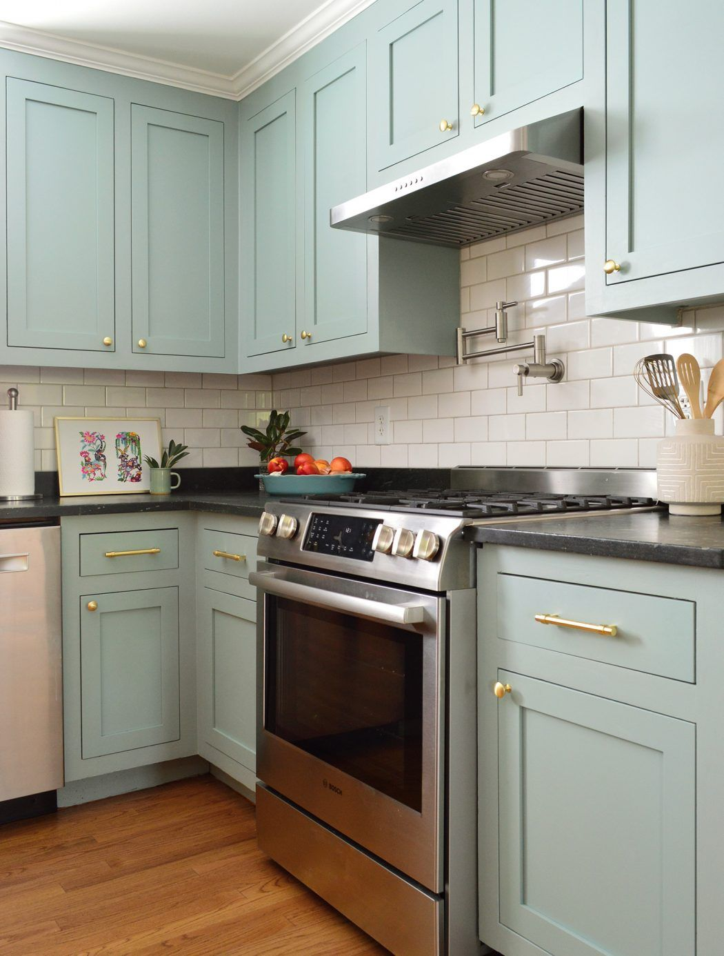 A Big Kitchen Makeover Created From Little Changes Green Kitchen