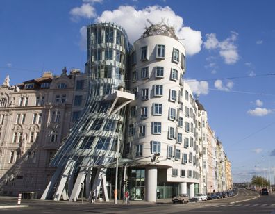 Frank Gehry Dancing House Architecte Architecture Paysage Architecture