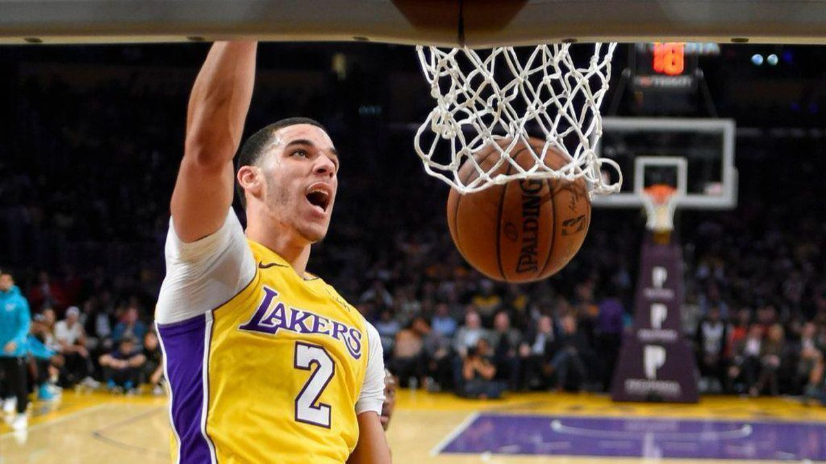 Lakers' Lonzo Ball shows he's happy to be back during loss