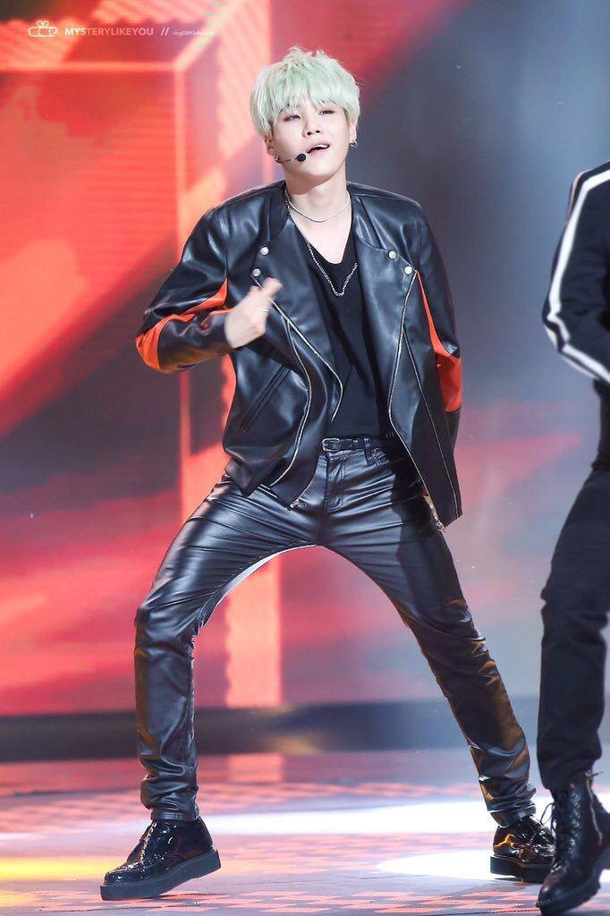 Pin de Moon Hwa Byun en chicos asiaticos BTS,EXO,SEVENTEEN ...