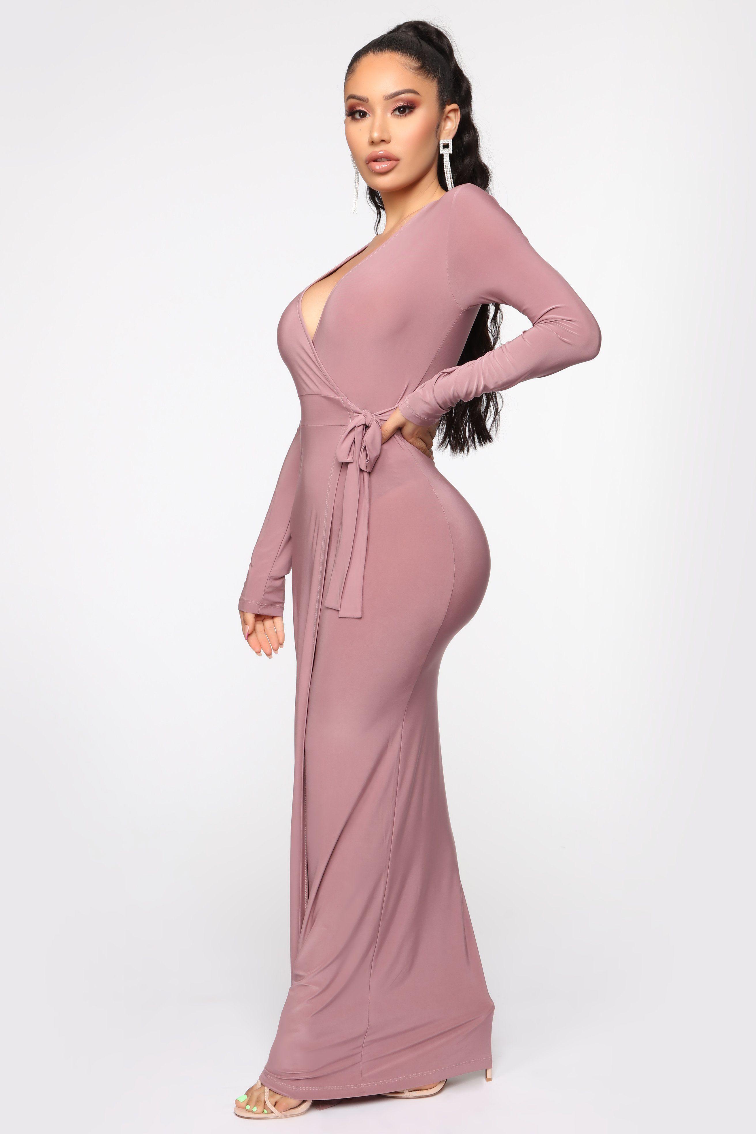 Womens Vivi Maxi Wrap Dress In Mauve Size 3x By Fashion Nova In 2021 Wrap Dress Mauve Dress Shop Maxi Dresses [ 3936 x 2624 Pixel ]