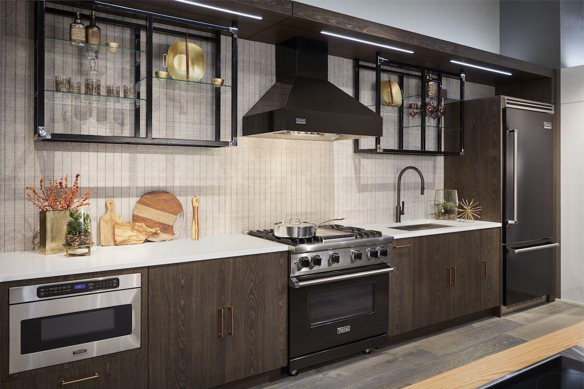 Woodland Cabinetry Viking Range Kitchen Showroom Viking Range Kitchen Custom Kitchens Cabinetry