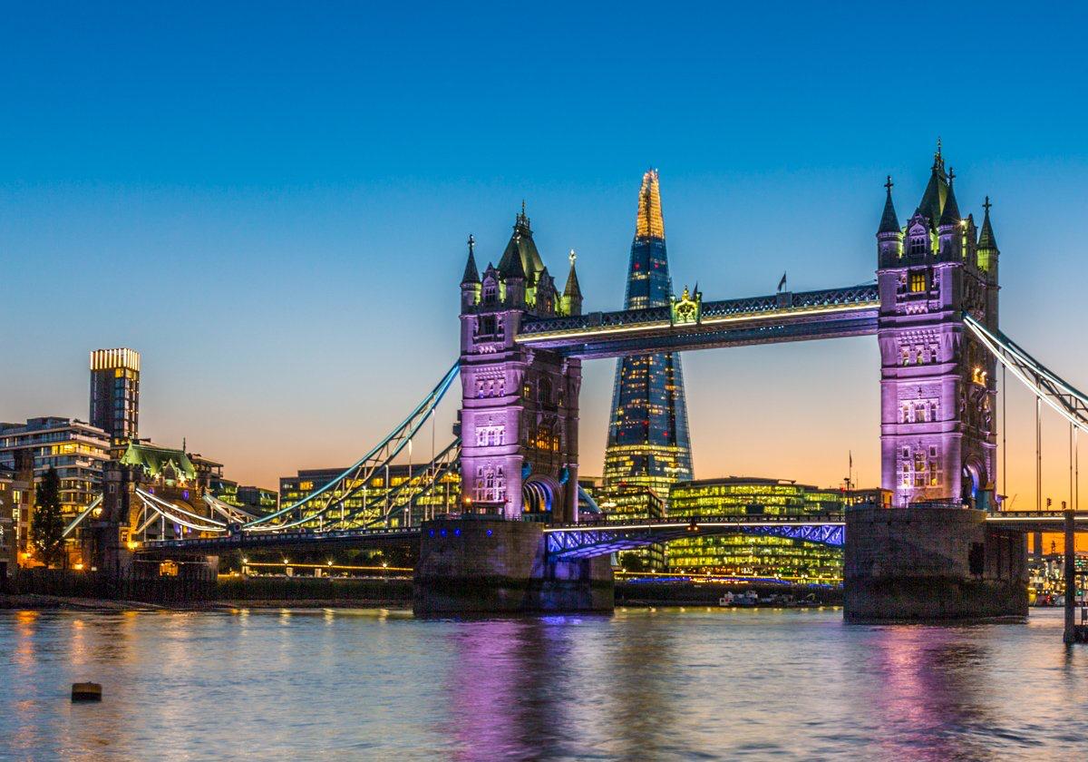 What's your favourite London landmark?   Hit like for @TowerBridge & RT for @TheShardLondon!  (: @francopfaller)