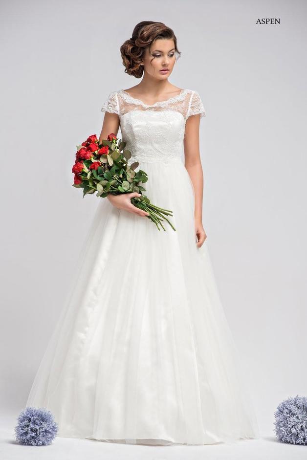 Zart und wunderschön Brautkleid 1-teilig.Oberteil mit Stäbchen ...