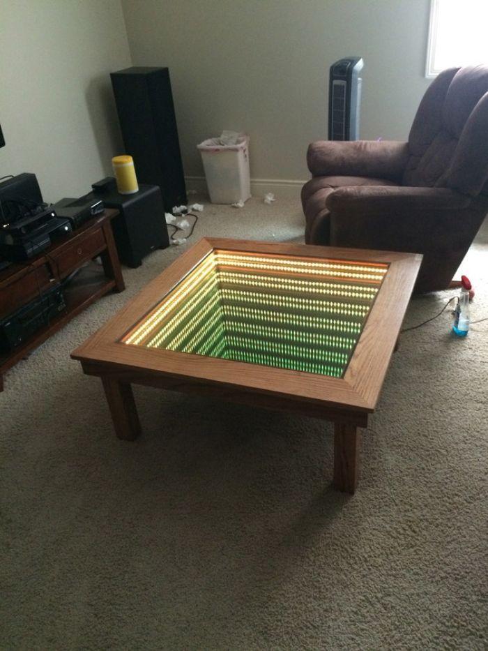 Cette Table Basse Vous Fait Plonger Dans L Infini Sympa Non Voici Comment La Fabriquer Table Basse Lumineuse Table Basse Led Table Basse