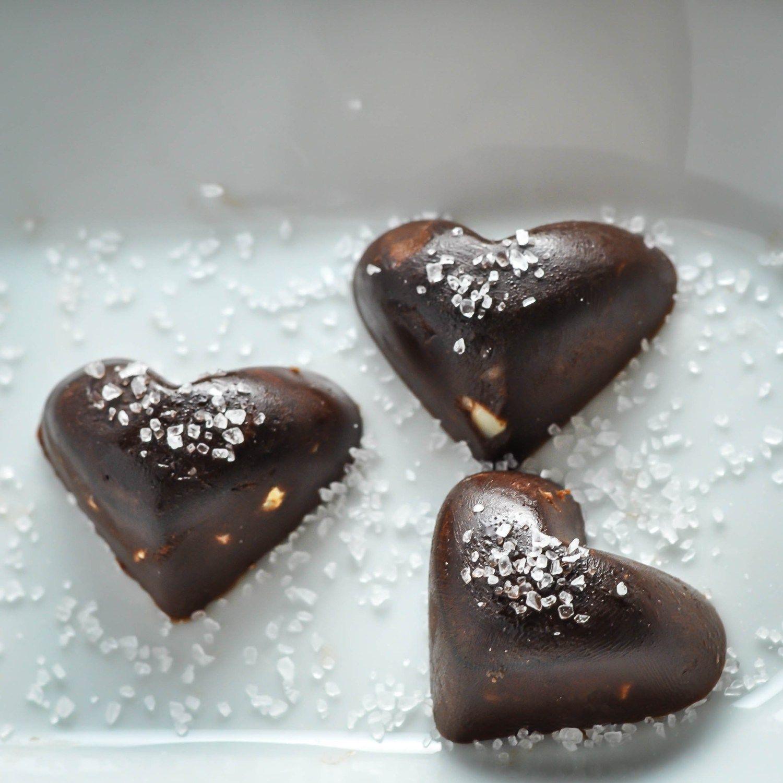 Chocolate Fat Bomb with Macadamia & Sea Salt