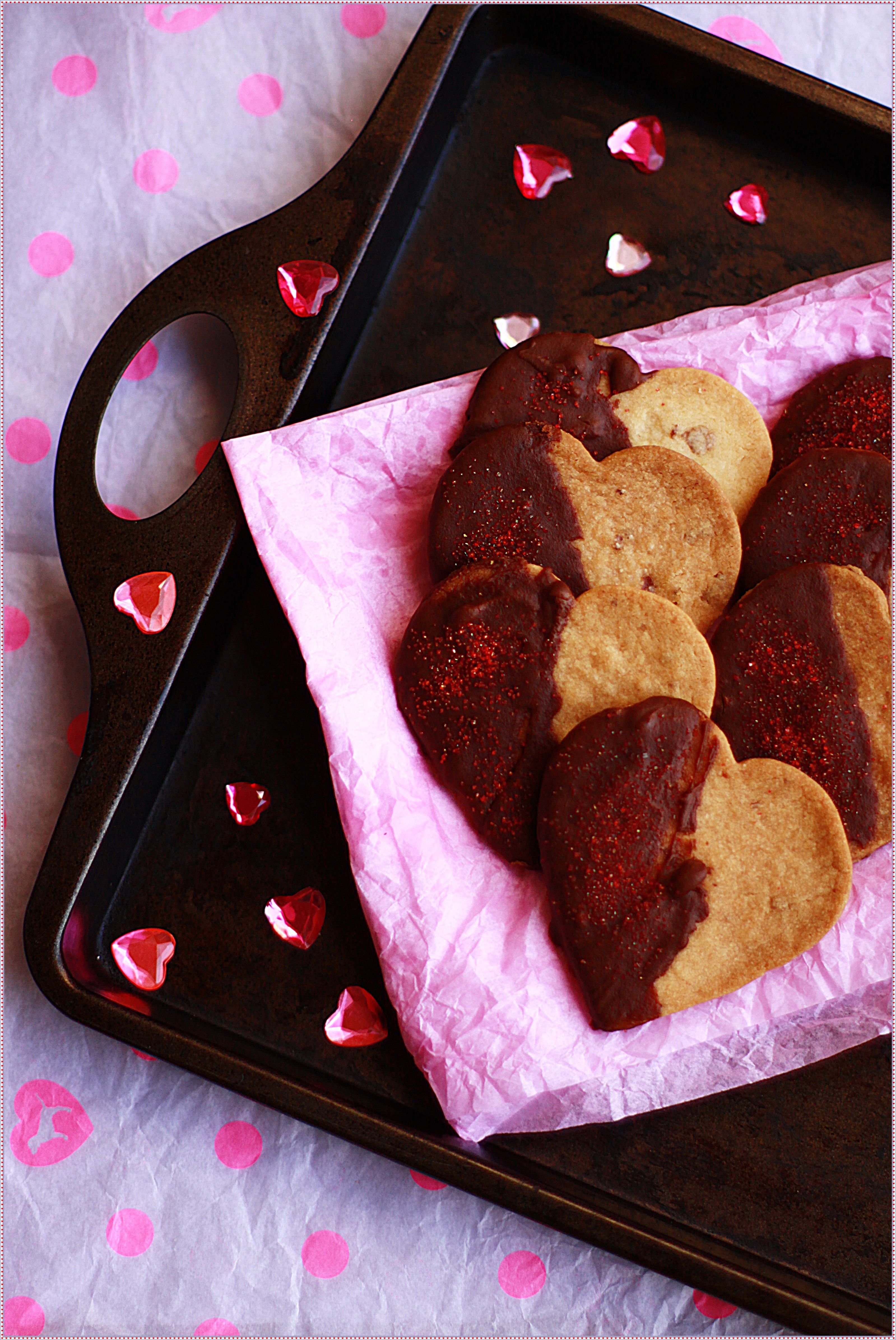 Eggless Chocolate Better Half Cookies!!! http://anubhavati.wordpress.com/2014/02/13/eggless-princess-cookies-with-rose-bits-and-jam-hearts/