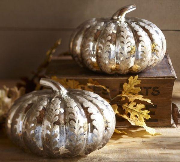 silbern bemalte kürbisse dekoration haus herbst halloween