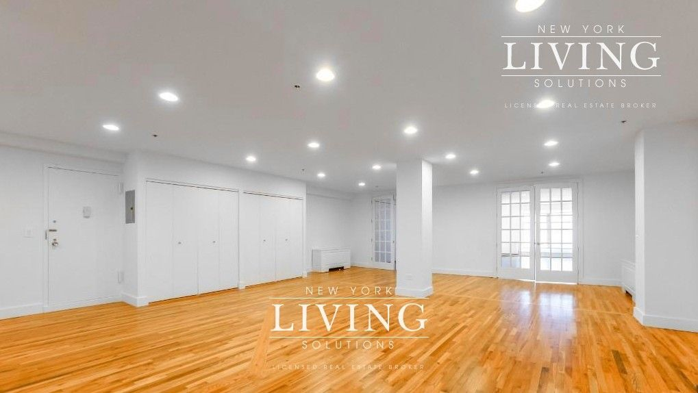 2 Bedrooms 2 Bathrooms Apartment For Sale In West Village West Village Nyc Apartment Apartments For Rent Apartments For Sale