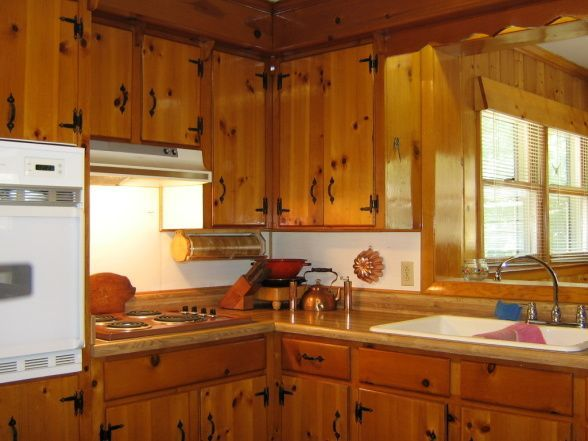 Keeping knotty pine in 1940 39 s kitchen google search for Knotty pine kitchen ideas