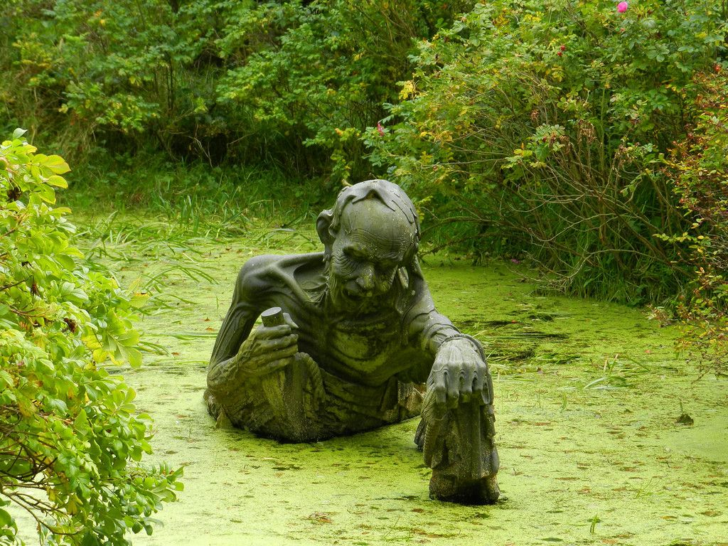 Swamp sculpture in Eastern Ireland (Victoria's Way)