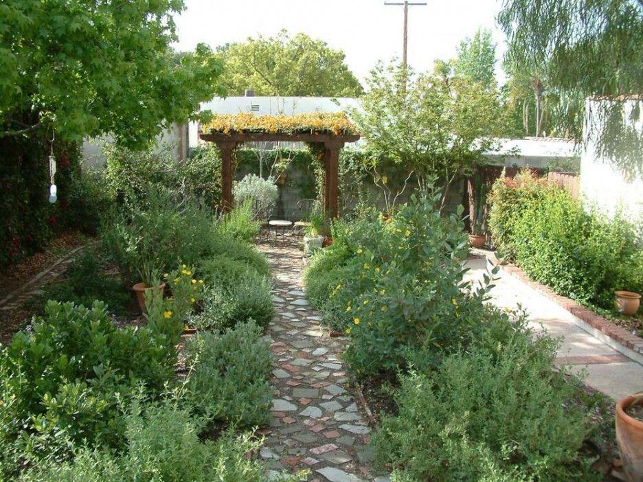 Pin By Lookmyhome On Italian Garden Style Italian Garden Garden