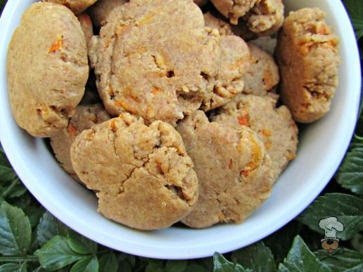 (wheat and dairy-free, vegan, vegetarian) peanut butter carrot dog treat/biscuit recipe