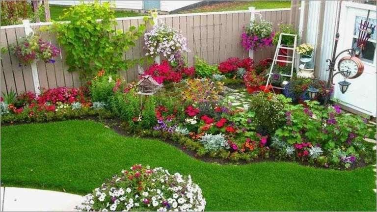 18 Wonderful Backyard Flower Ideas Collection Garden Flower Gardenflowery Com Small Garden Layout Small Backyard Gardens Backyard Flowers Beds