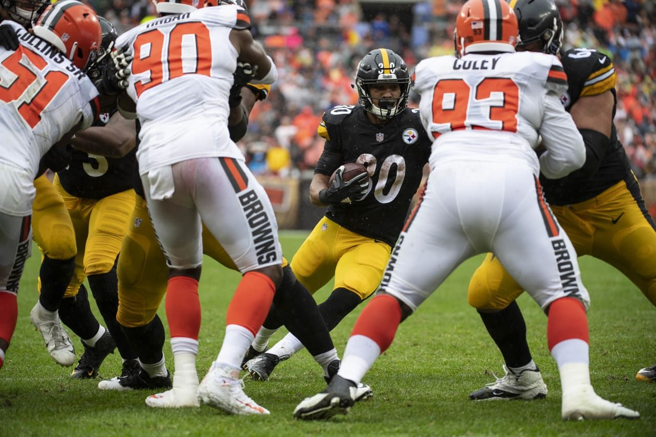 A 2018 Regular Season Game Between The Pittsburgh Steelers And The Cleveland Browns On Sunday September 9 2018 The St Steelers Steelers And Browns Brown Tie