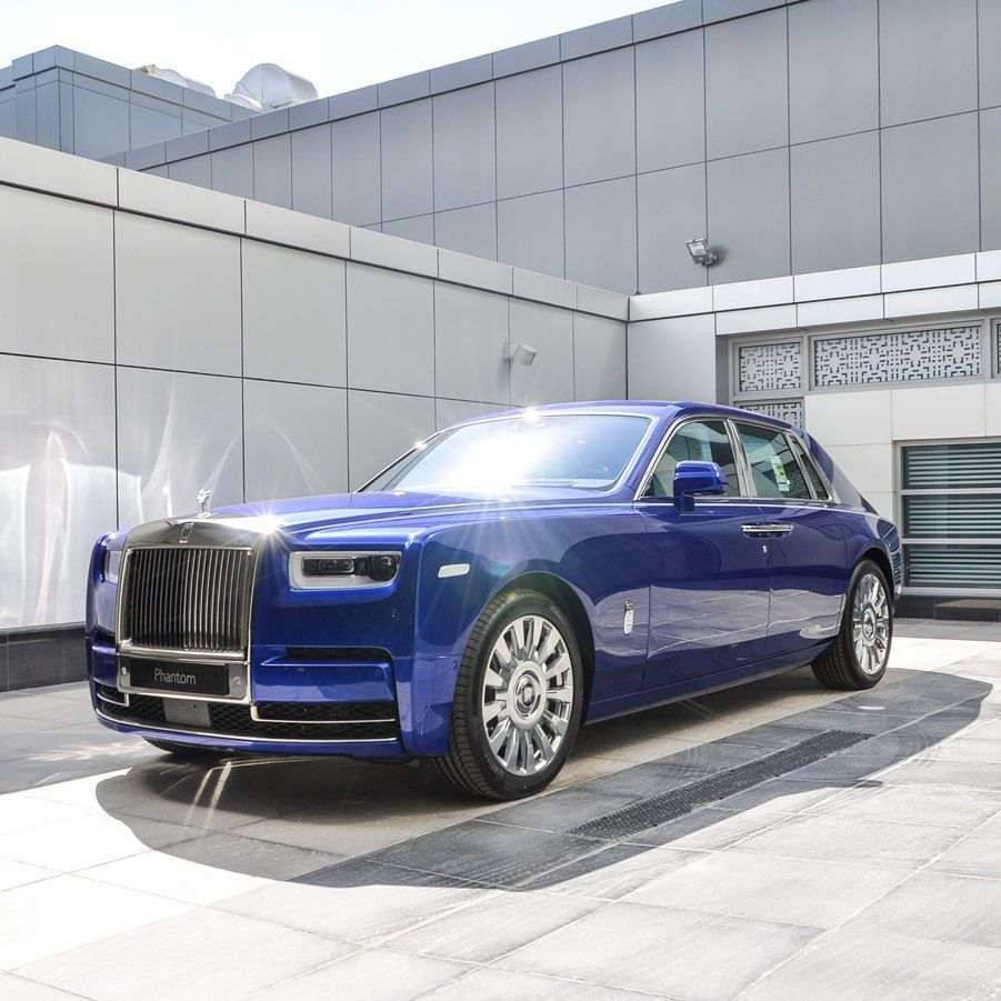 Rolls Royce Phantom In Crystal Over Salamanca Blue Exterior Accented With Twin Coachline In Arctic White Fitted With 22 Fully Polished
