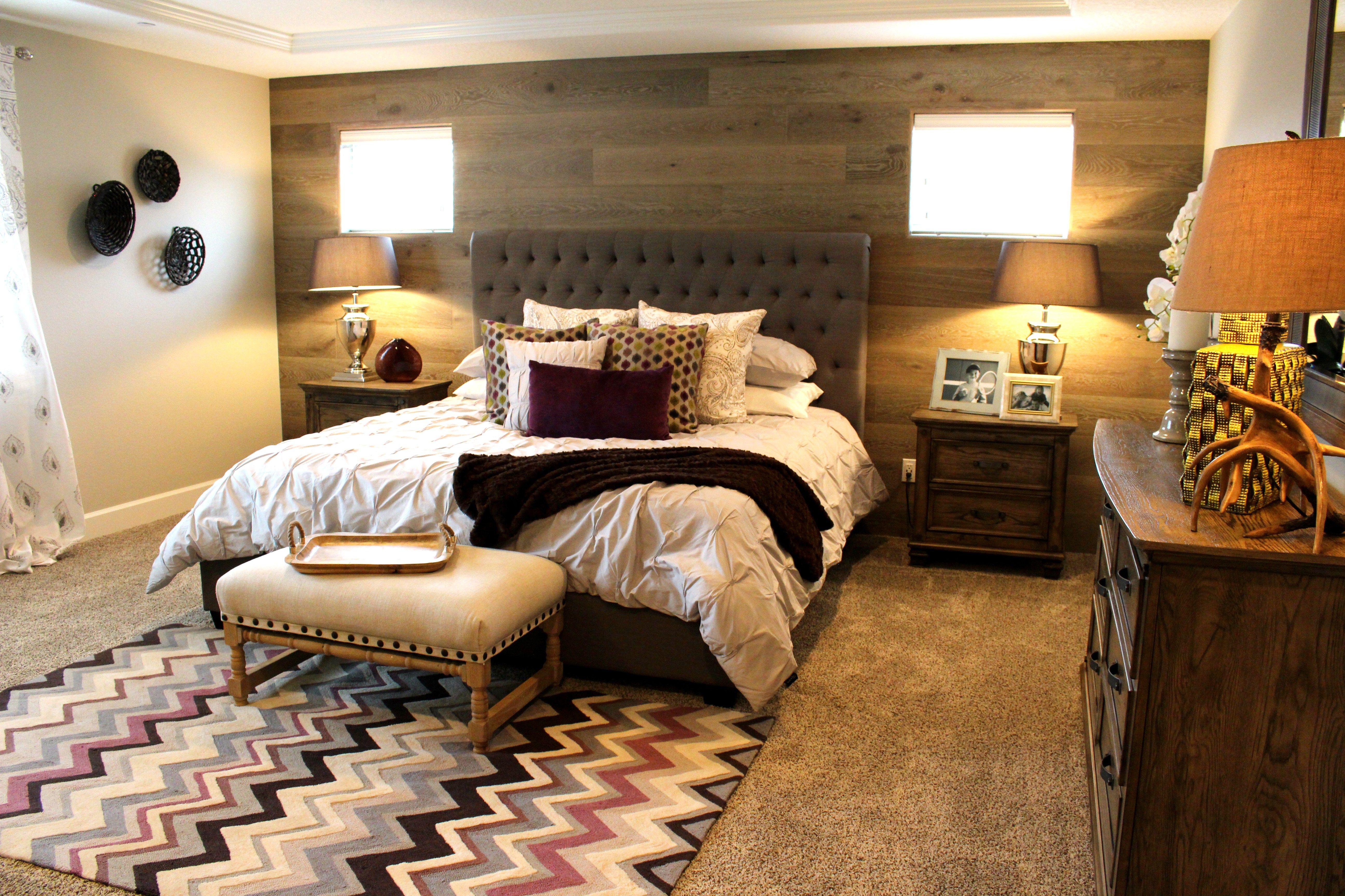 Master bedroom wood accent wall Wood bedroom, Interior