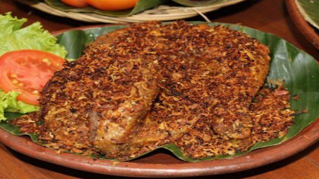 Resep Ayam Goreng Serundeng Istimewa Di 2020 Resep Ayam Makanan Ayam Goreng