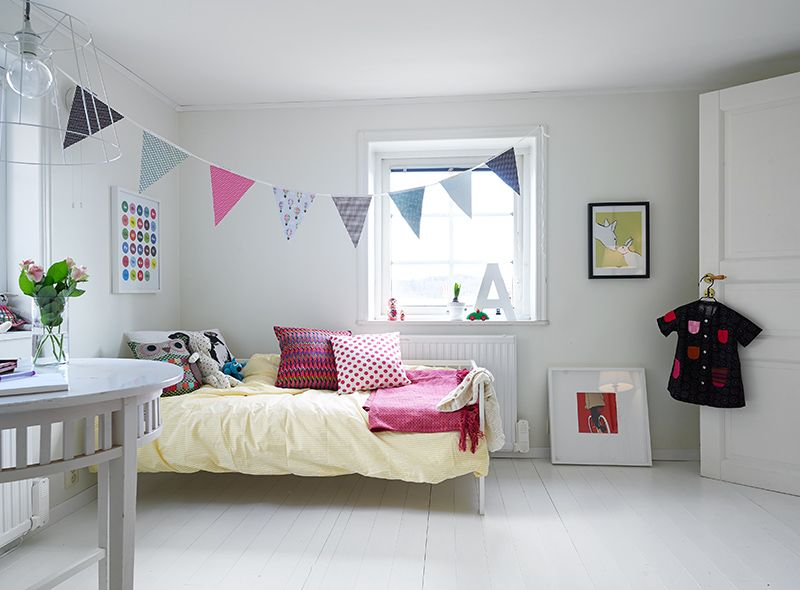 Simple and modern kids room
